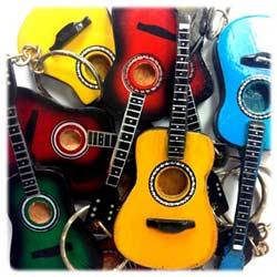 porte-cles-guitare-classique